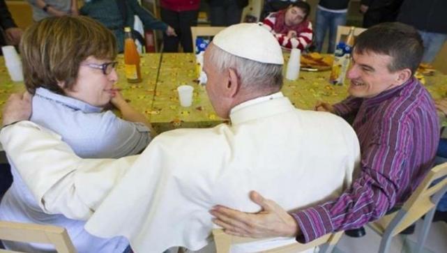 ARGENTINA: Sorpresivo ′timbreo′ del Papa en las afueras de Roma
